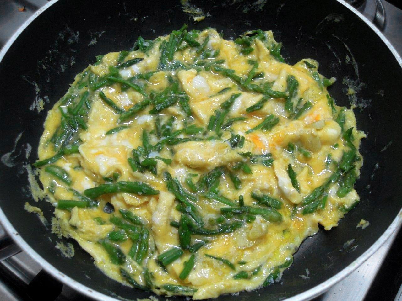 Ovos mexidos com espargos bravos ovos mexidos com espargos bravos Ovos Mexidos com Espargos Bravos EspargosBravos Ovos2