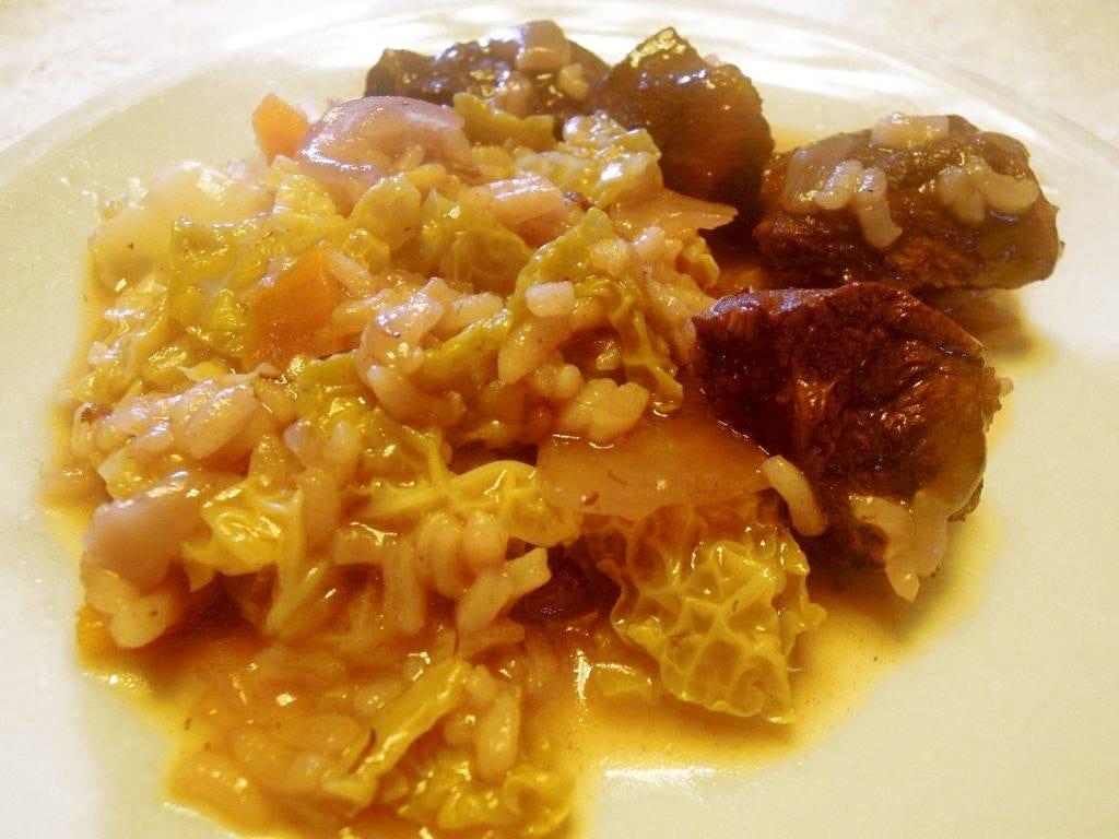 Arroz de carne, um prato quente para um dia frio