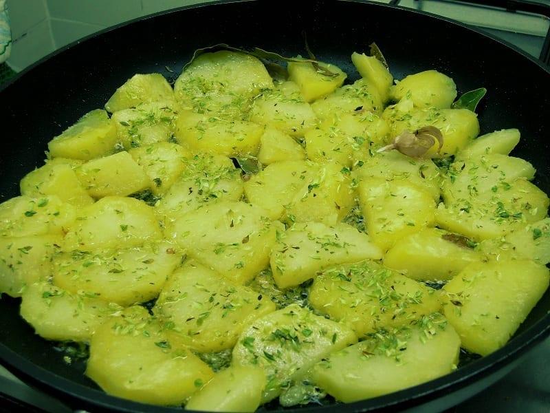 Batatas oregadas, uma entrada ou acompanhamento