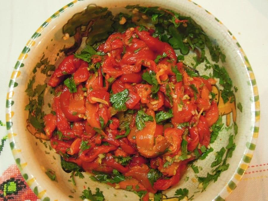 Grafe e Faca Salada de Pimentos Vermelhos salada de pimentos vermelhos - Salada de pimentos vermelhos, para ser diferente