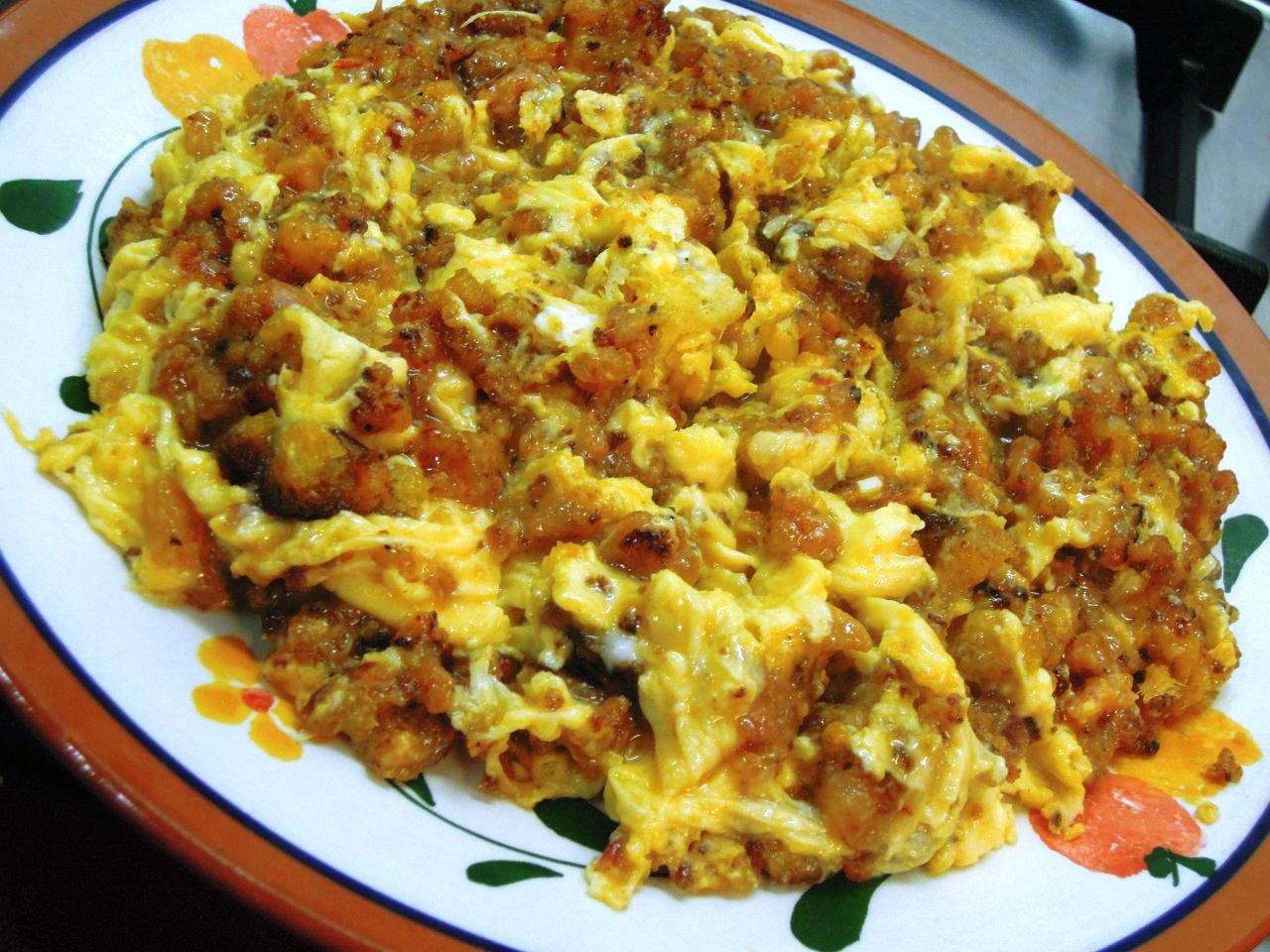 ovos mexidos com farinheira Ovos mexidos com farinheira, que petisco à maneira DSCN1888