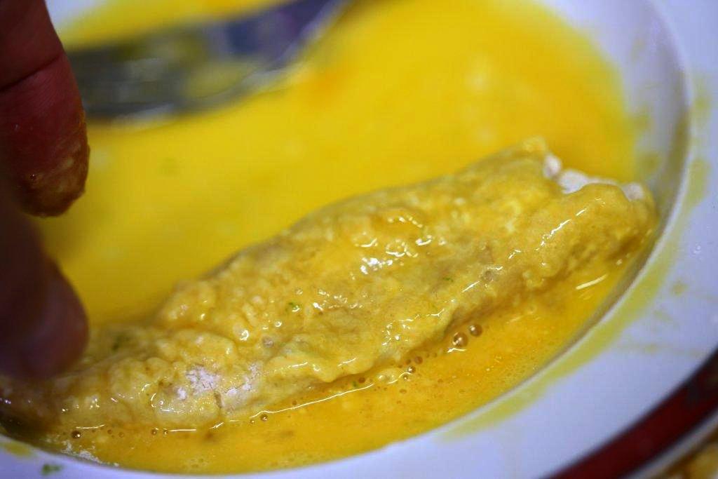 Panados de frango e batata no ovo
