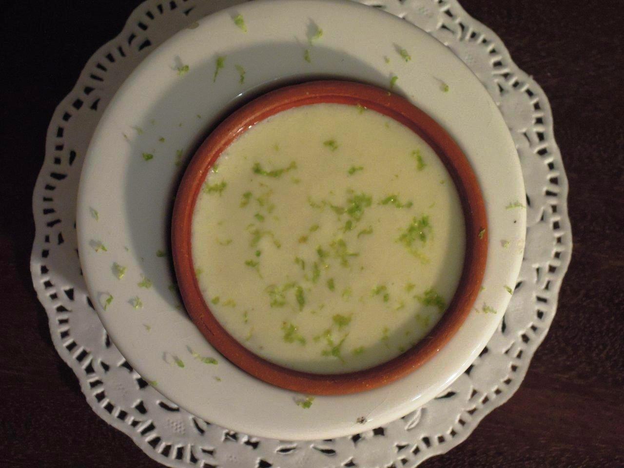 Grafe e Faca Mousse de chocolate branco com lima