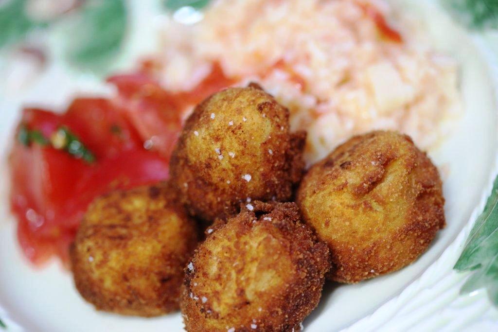 as minhas bolas fritas As minhas bolas fritas do empadão de pescada Grafe e Faca Bolas de Pescada fritas7