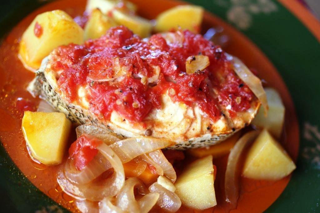 peixe assado no forno Peixe assado no forno do Tozinho (4 pessoas) Grafe e Faca Peixe Assado no Forno
