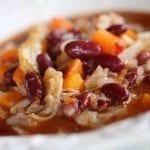Feijoada vegetariana com restos de couve e cenoura sem carnes
