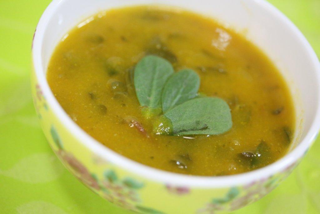 sopa de beldroegas Sopa de Beldroegas, nome estranho sopa deliciosa Grafe e Faca Sopa de beldroegas1