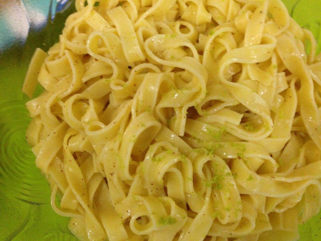 Tagliatelle com sabor a lima - Grafe e Faca