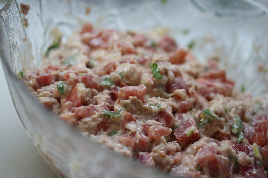Patê de atum com tomate