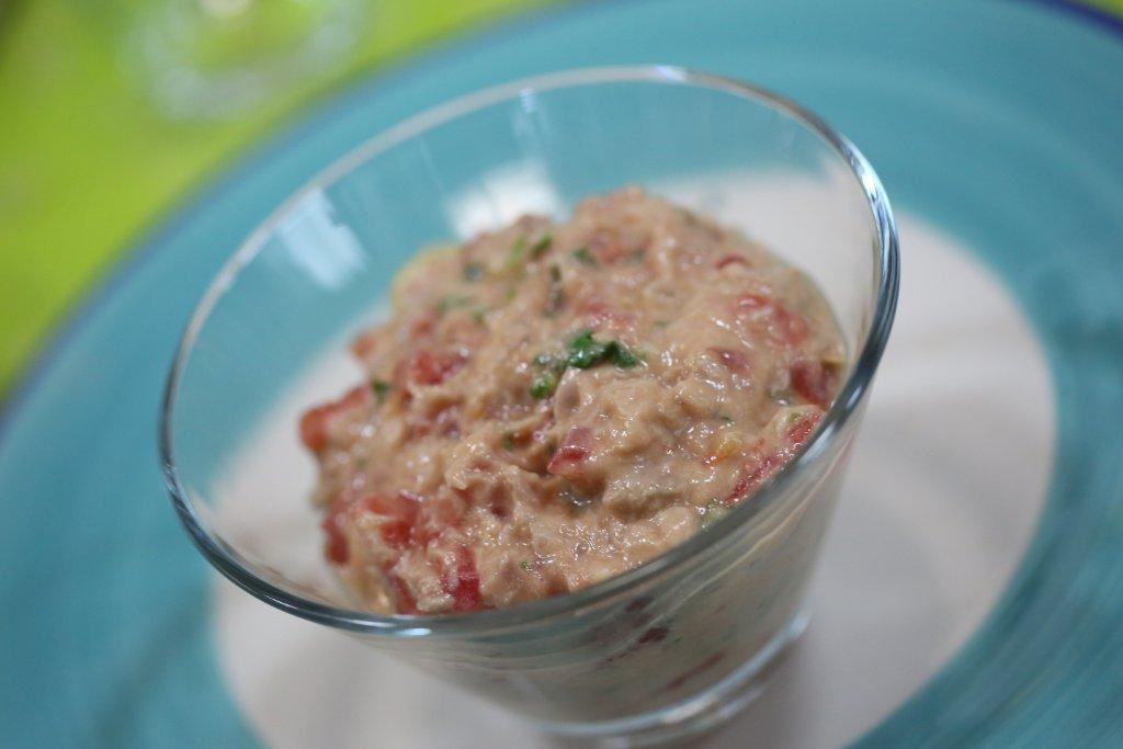 Grafe e Faca Pate de atum com tomate1 patê de atum com tomate Patê de atum com tomate Grafe e Faca Pate de atum com tomate1
