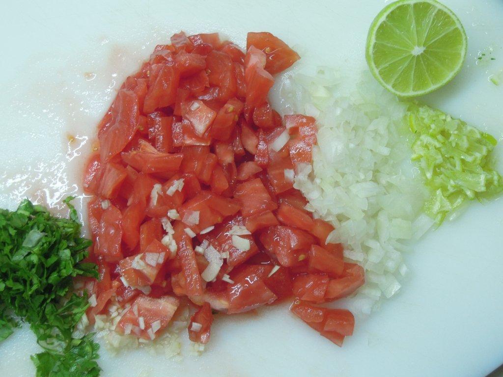 Patê de atum com tomate patê de atum com tomate Patê de atum com tomate Grafe e Faca Pate de atum com tomate2