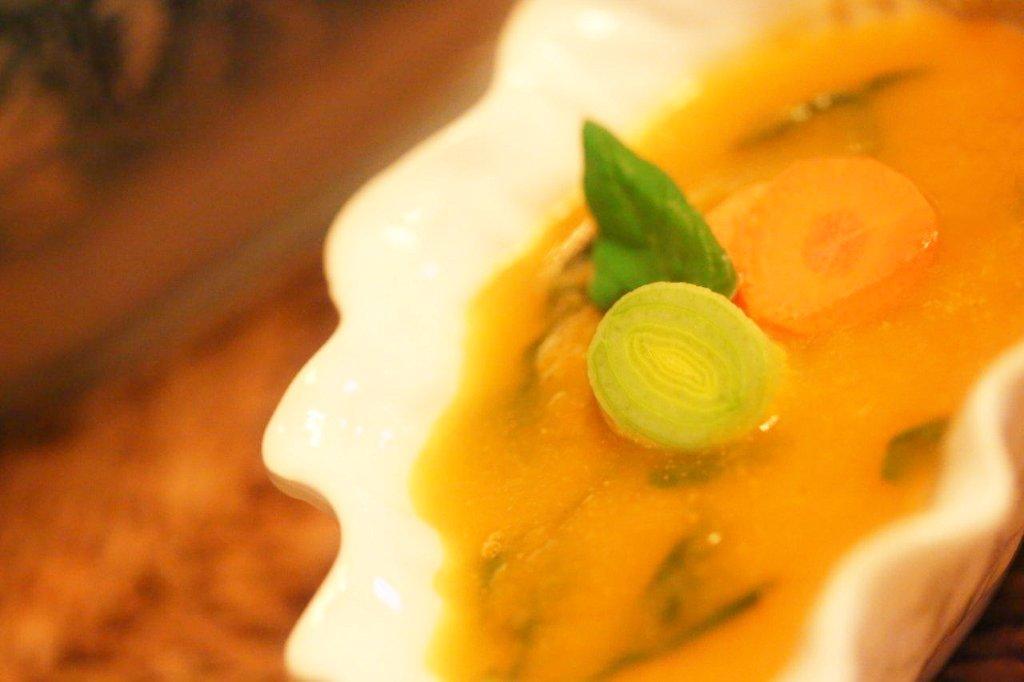 creme de cenoura Creme de cenoura com alho francês e coentros Grafe e Faca creme de cenoura2