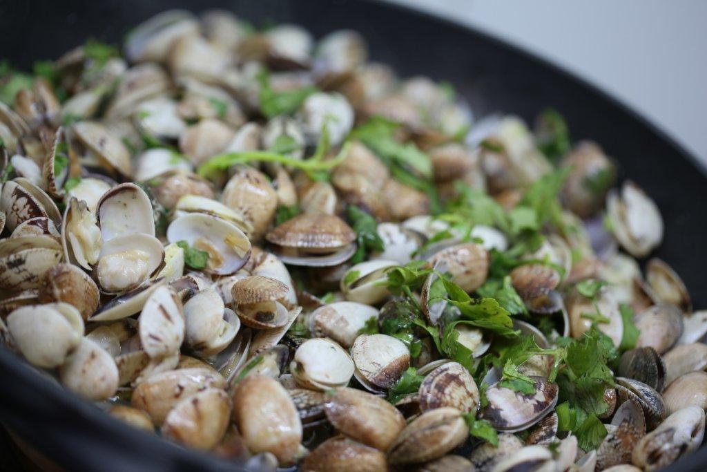 Grafe e Faca Sopa de bacalhau com batatas e ameijoas (1)