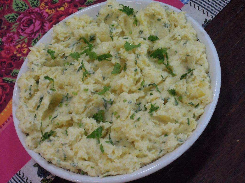 esmagada fria de batata com maionese de mostarda Esmagada fria de batata com maionese de mostarda DSCN0299