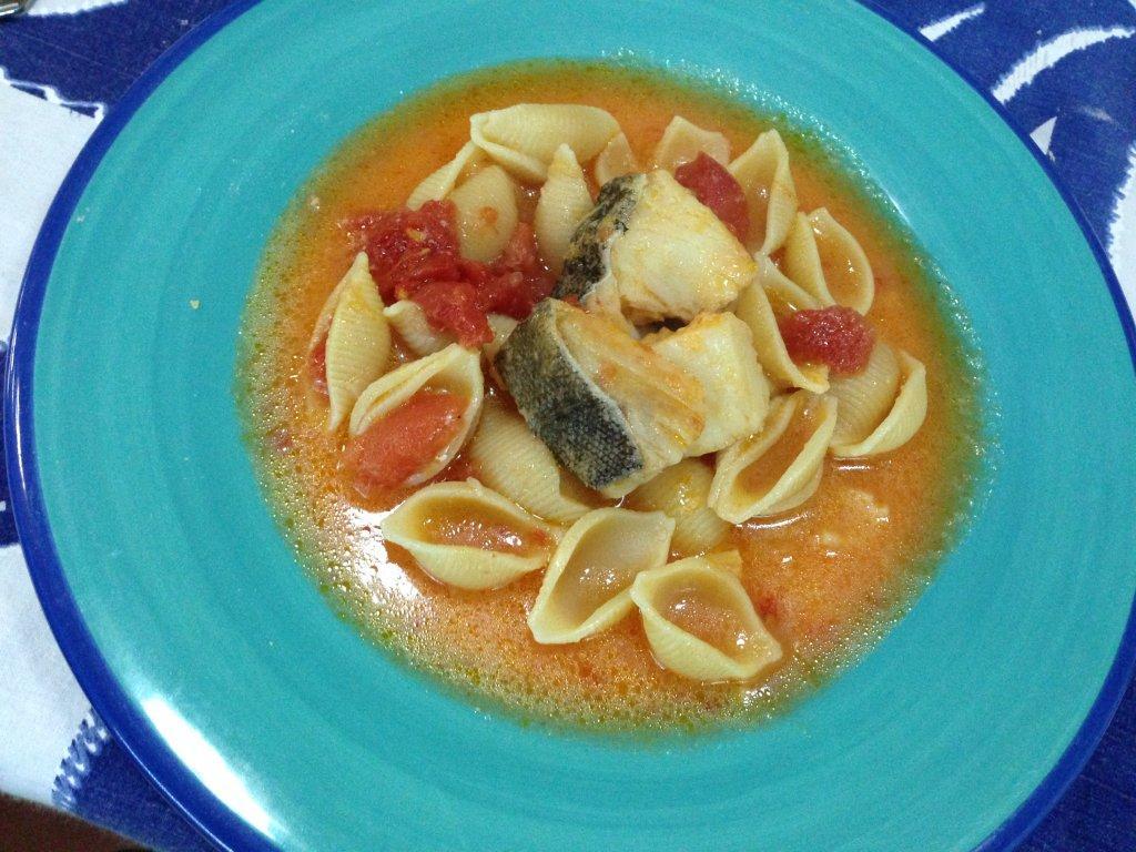Sopa de Bacalhau com conchas (6 pessoas)