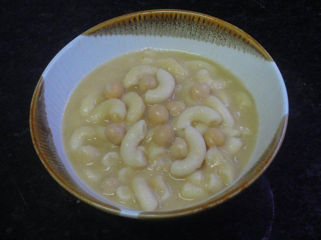 sopa Sopa de grão com massa DSCN0106