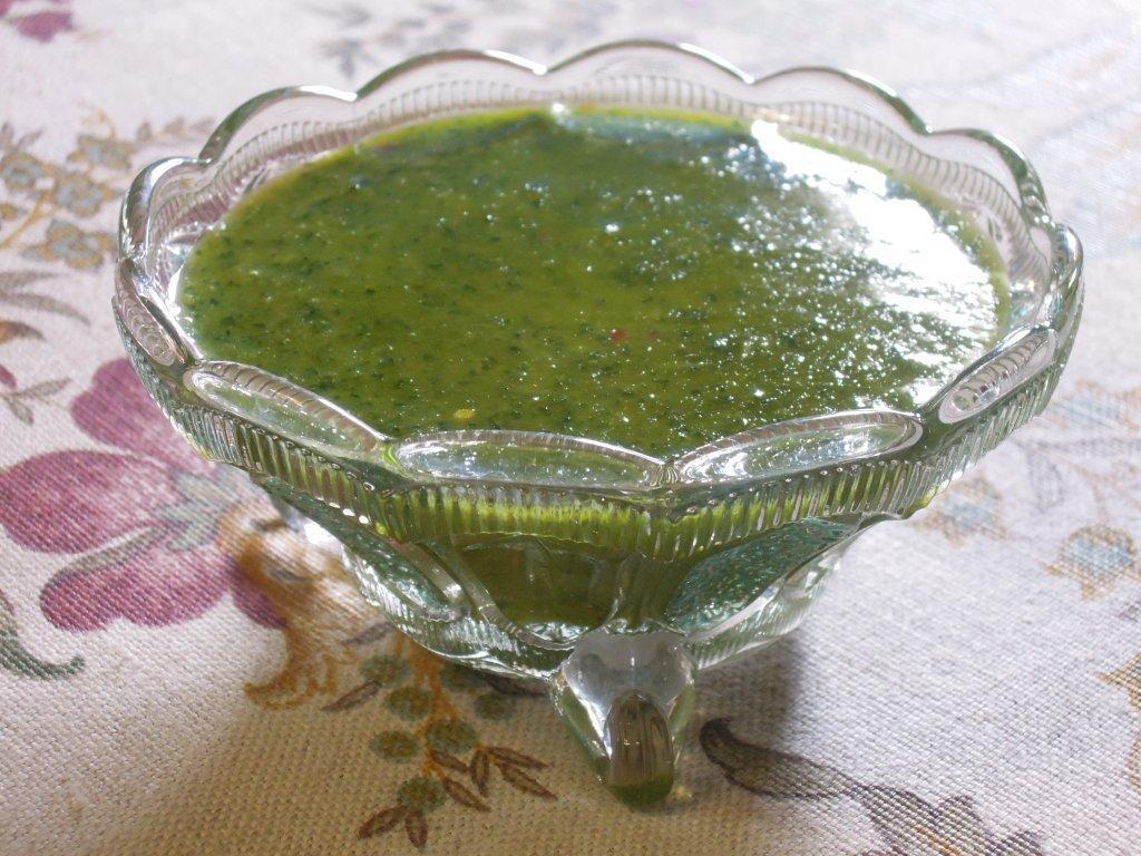 Molho verde com sal grosso