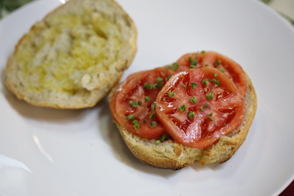 Torradas com Azeite e Tomate