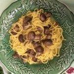 Cogumelos Marron com Esparguete Fresco