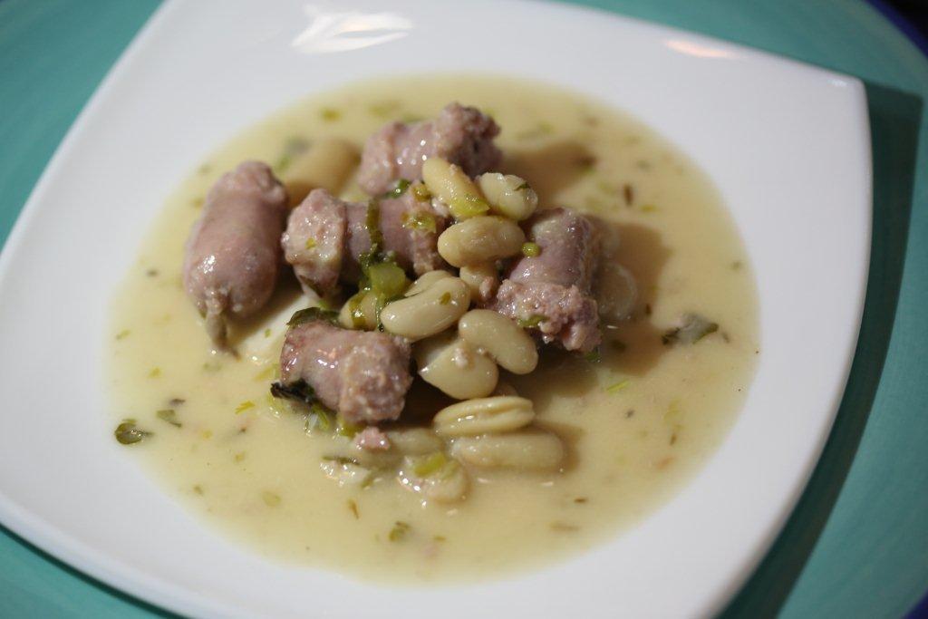 salsichas frescas com feijão branco Salsichas Frescas com Feijão Branco 82