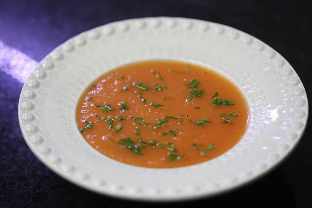 creme de tomate com batata e salsa Creme de tomate com batata e salsa 8E6B0540