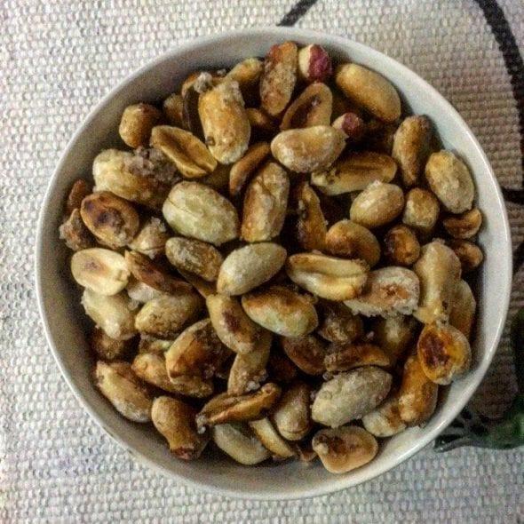 Amendoins no forno