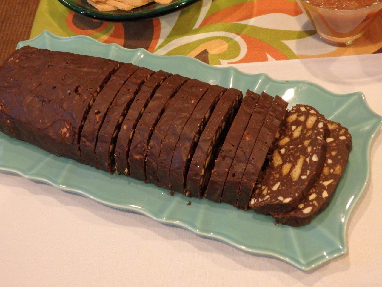 Salame de chocolate com caju