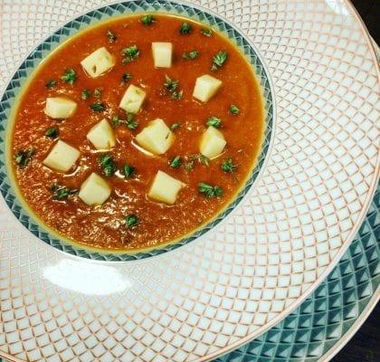 creme de tomate com queijo flamengo e orégãos Creme de Tomate com Queijo Flamengo e Orégãos creme tomate queijo oregaos grafe e faca capa 420x400