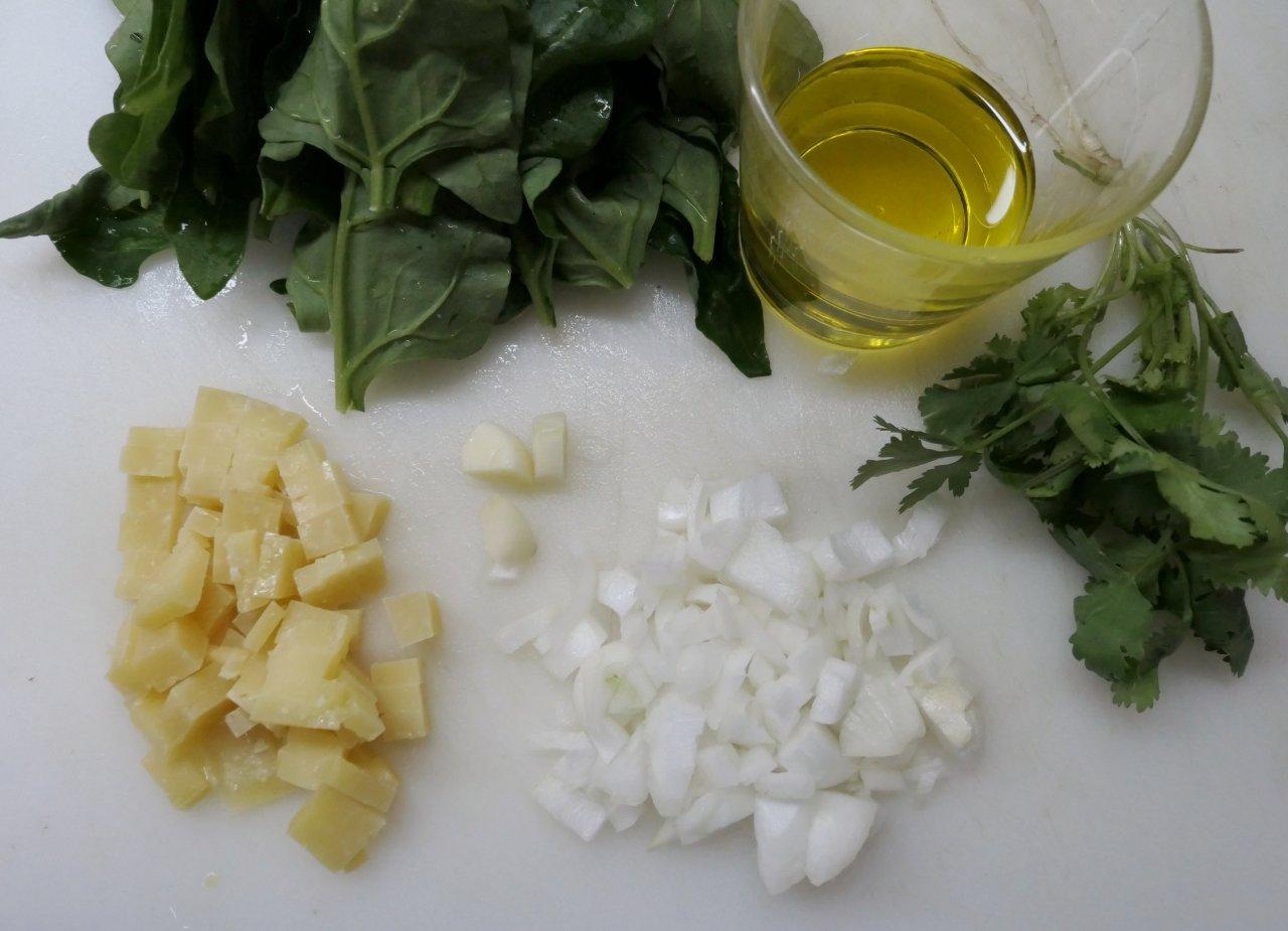 Molho de espinafres com queijo da Ilha
