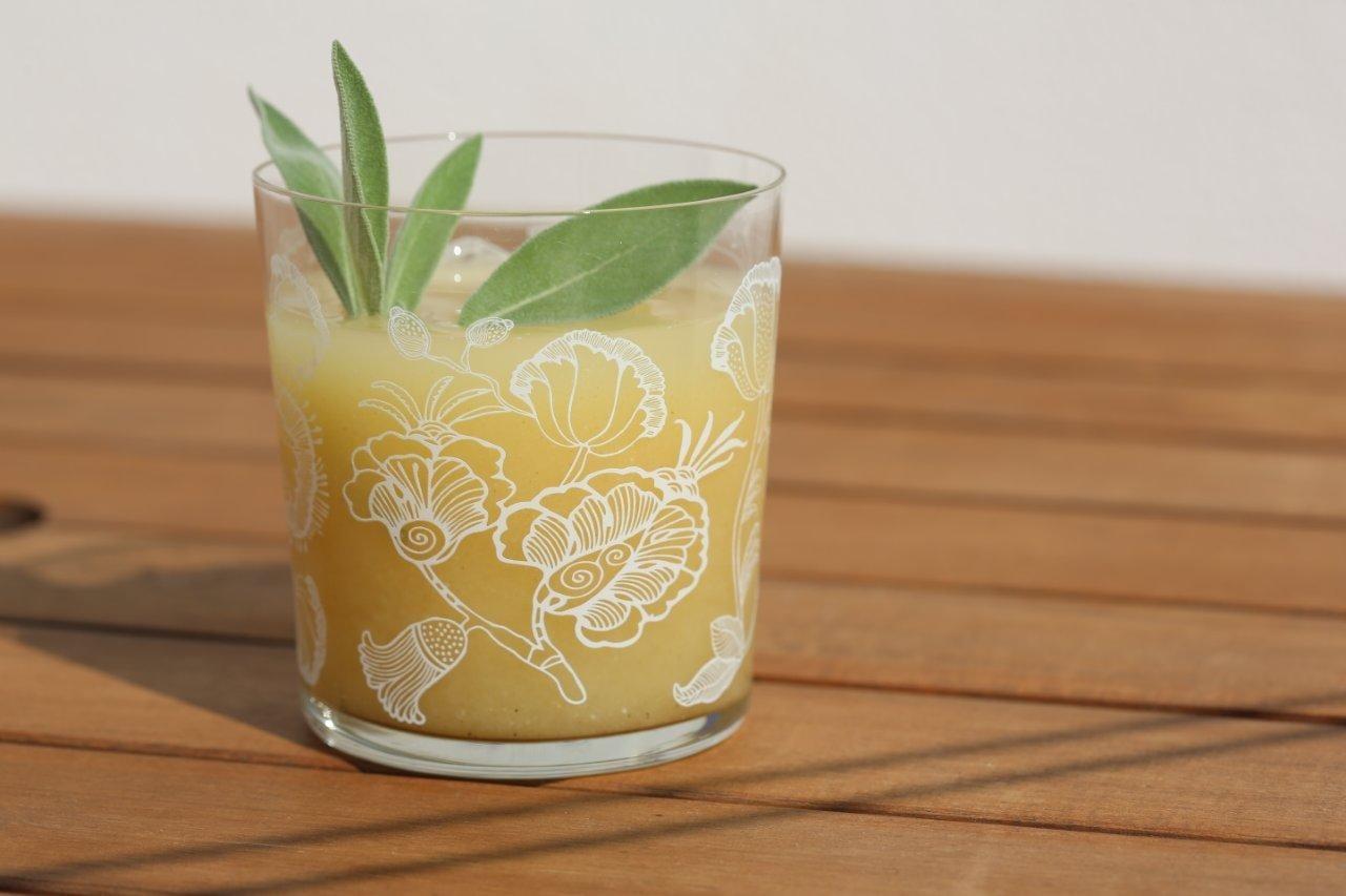 Refresco de limonada com maracujá