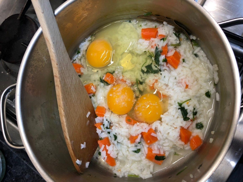 Mexido de Ovos com restos de Arroz de Cenoura