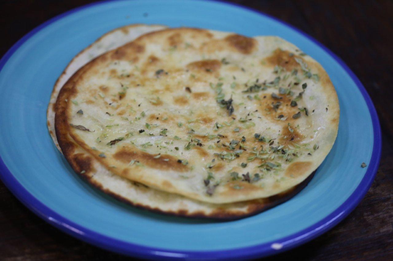 Tortilhas com Manteiga e Orégãos tortilhas com manteiga e orégãos Tortilhas com Manteiga e Orégãos Tortilhas com Manteiga e Oregaos 5