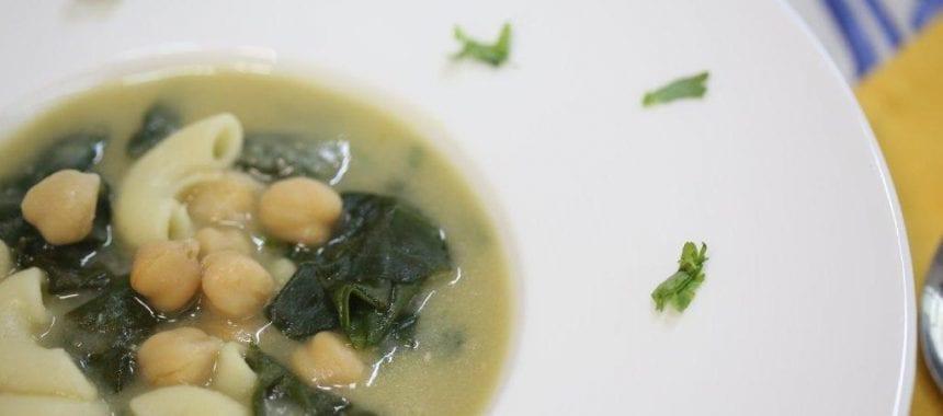 Sopa de Grão com Cotovelinhos e Espinafres