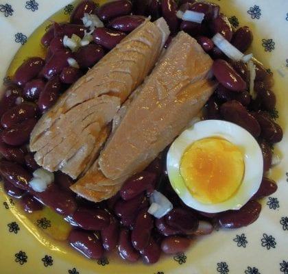 atum com feijão encarnado temperado com noz moscada - Atum com Feijão Encarnado temperado com Noz Moscada