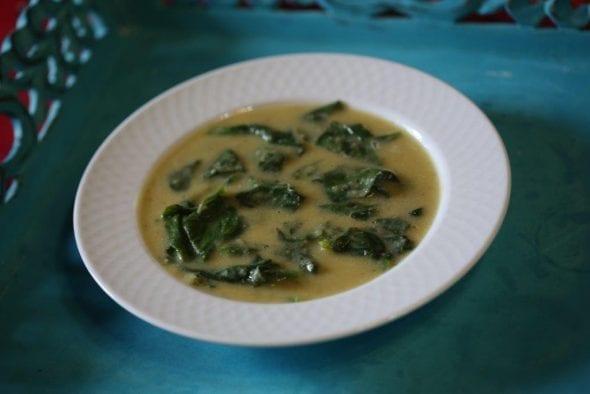 Sopa em Creme de Chícharos com Espinafres