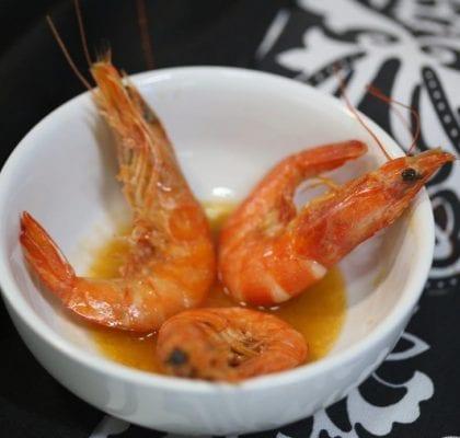 camarões frescos fritos com a casca - Camarões Frescos Fritos com a Casca