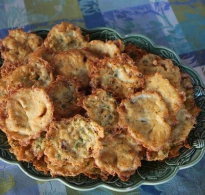 pataniscas crocantes de bacalhau Pataniscas crocantes de bacalhau Pataniscas crocantes de bacalhau 5 420x400