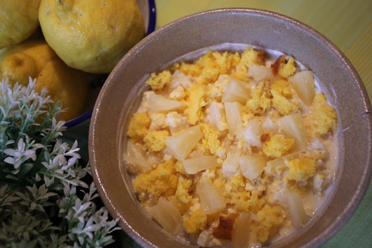 Ananás com Pão de Ló