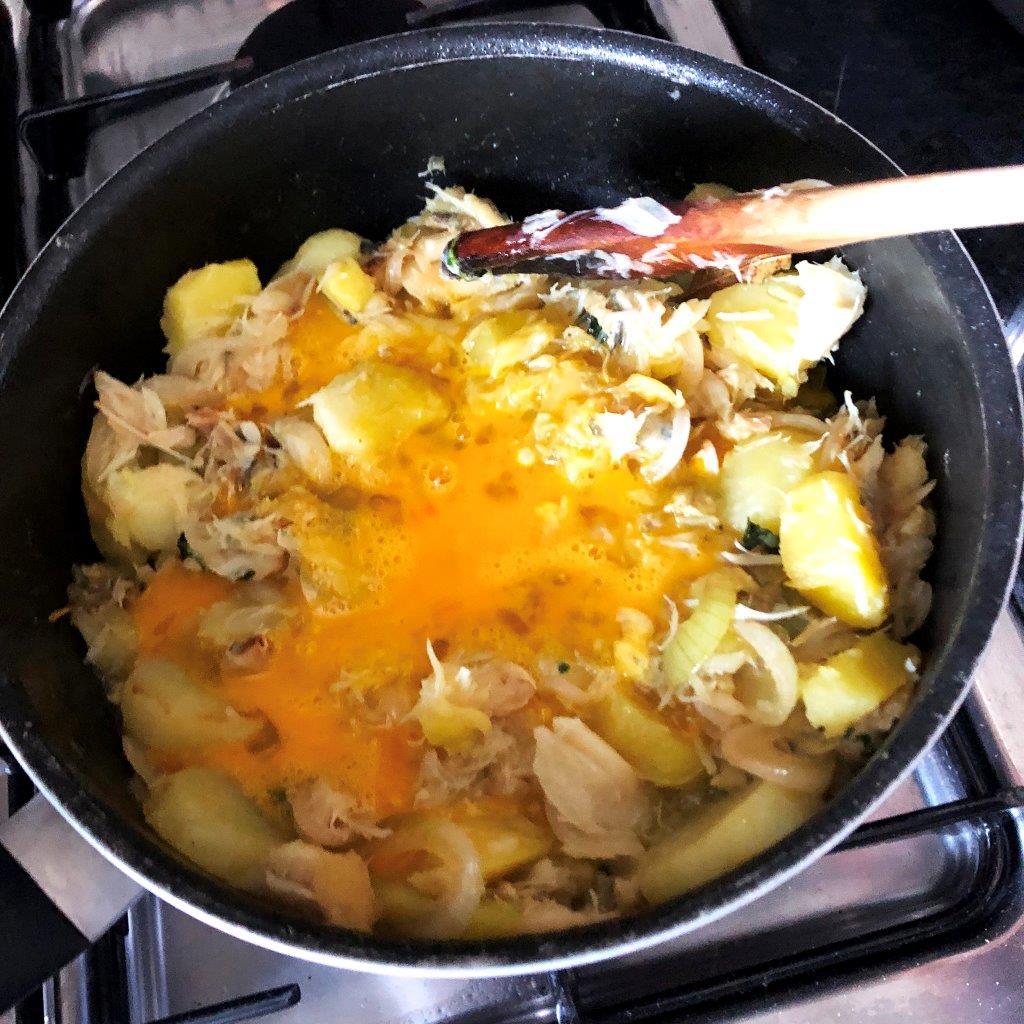 Bacalhau com Batatas e Ovos mexidos