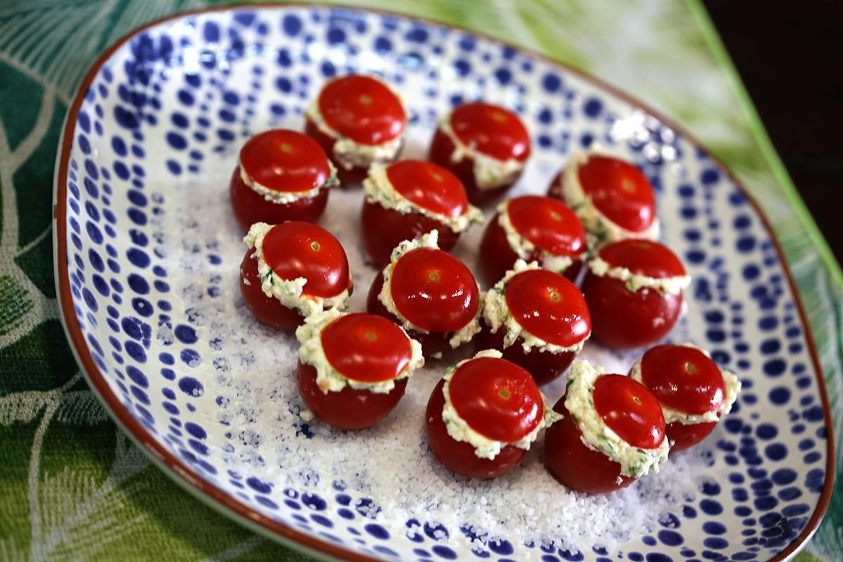 Mini Tomates recheados com Requeijão