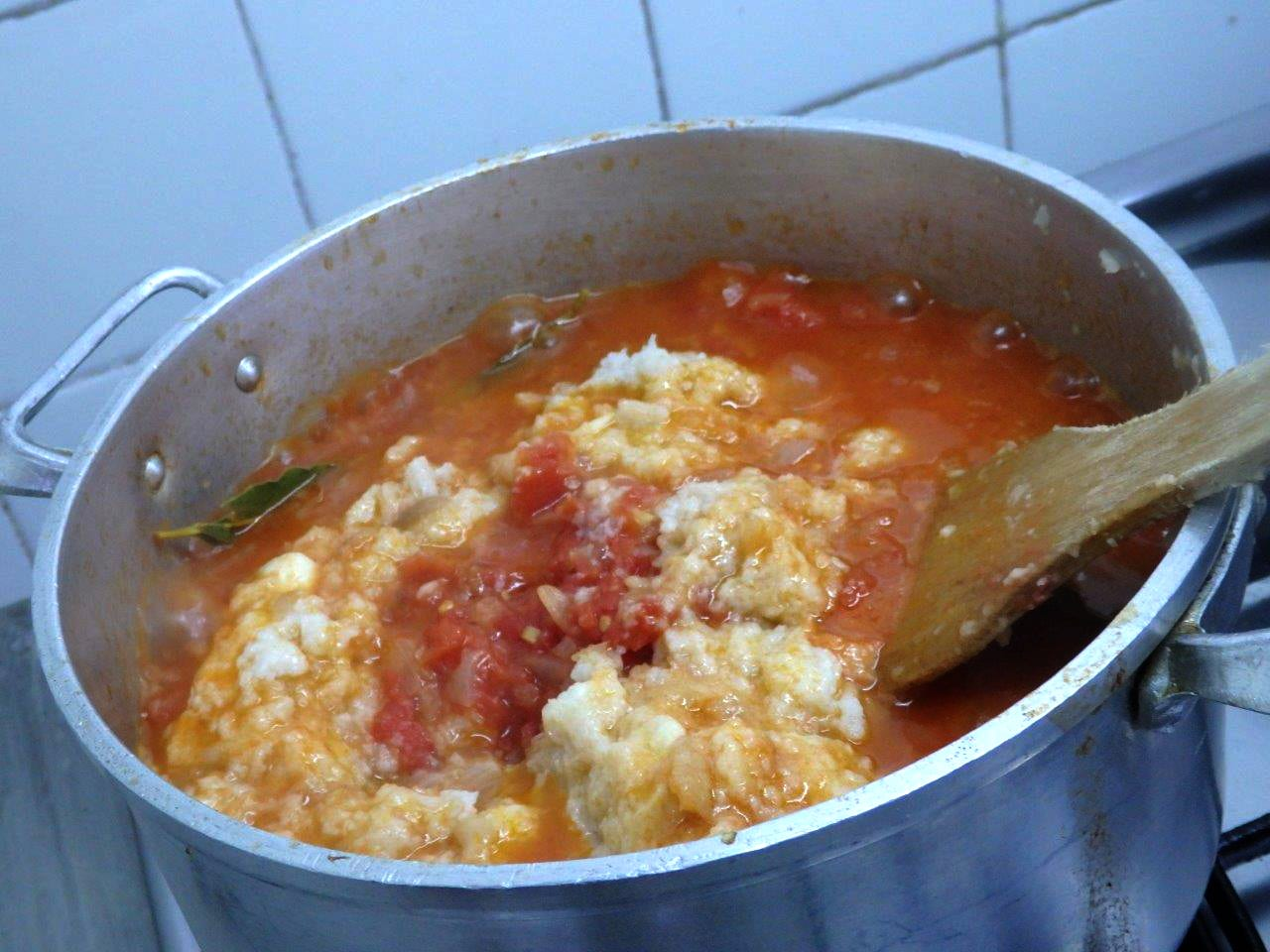 Açorda de Tomate com Ovos