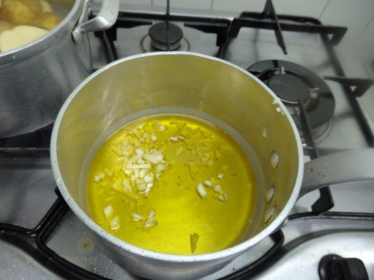 papas de milho com alho e coentros - Papas de Milho com Alho e Coentros