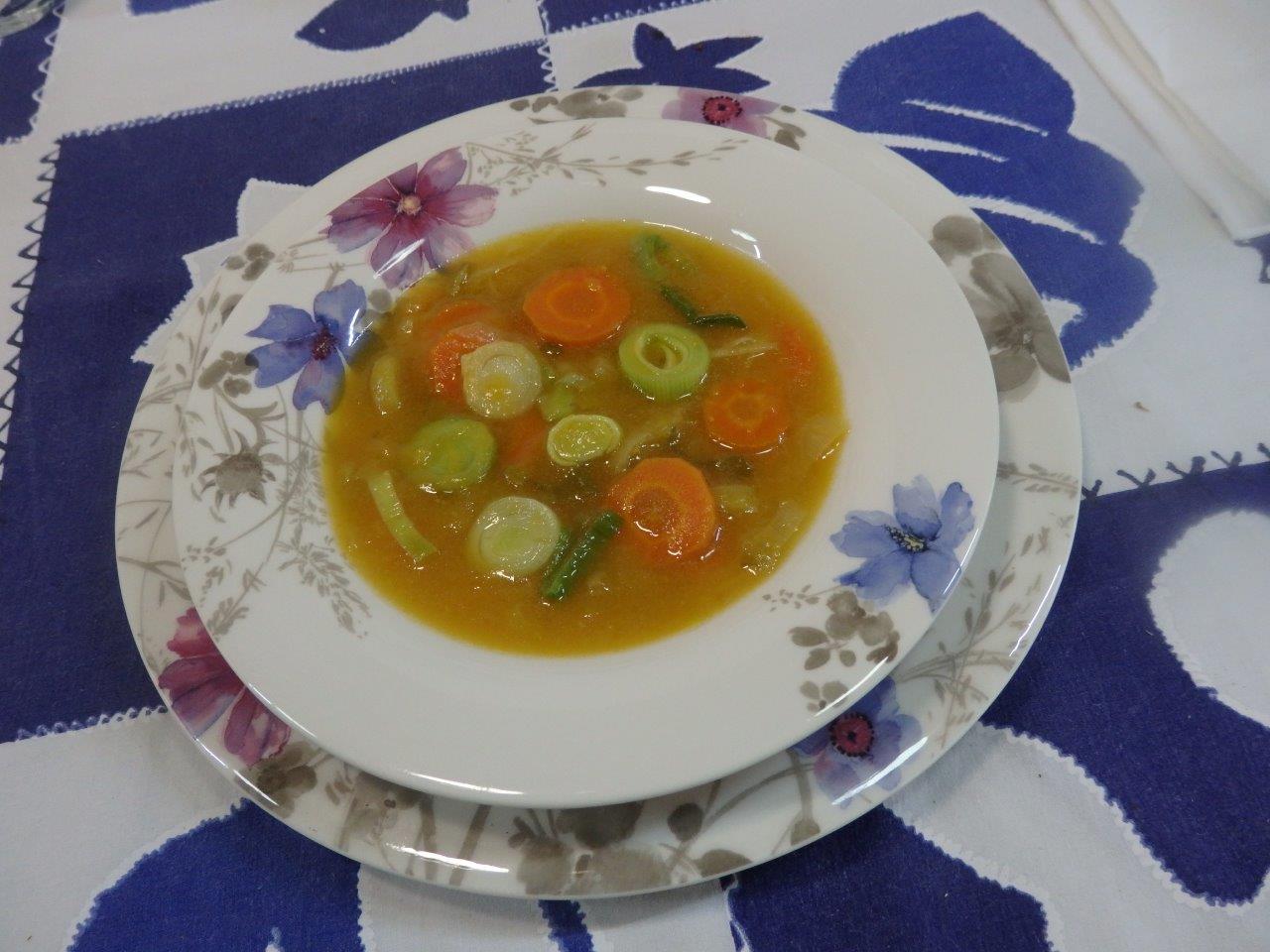 Sopa Cremosa de Alho Francês