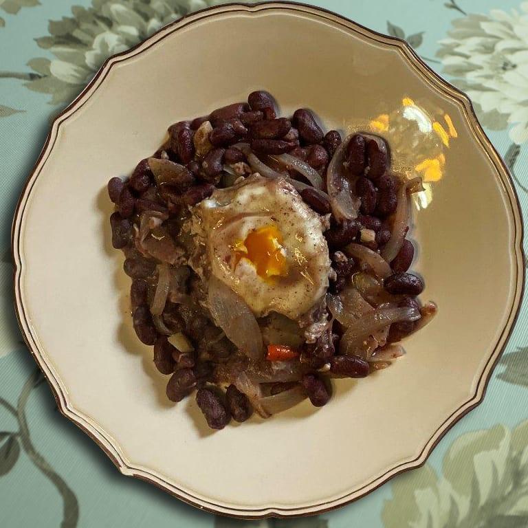 Feijoada de alecrim com ovo escalfado Feijoada de alecrim com ovo escalfado 15 1