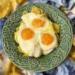 Tortellini 4 queijos com ovos rotos
